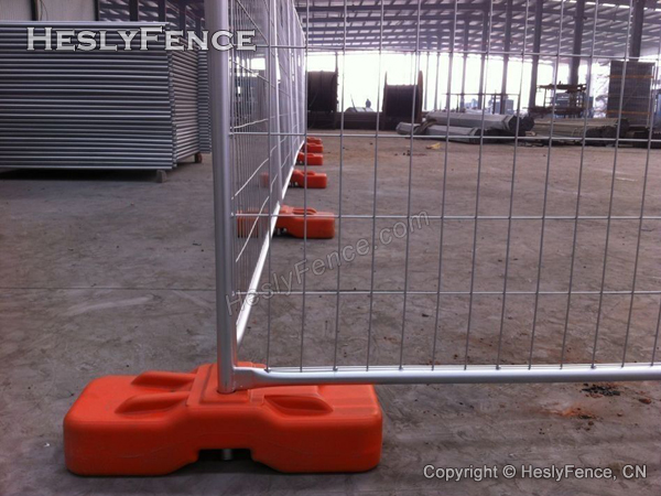 temporary fencing plastic feet