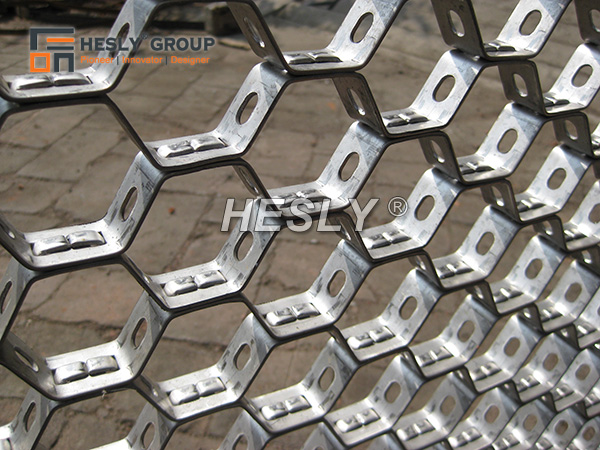 Refractory Hexmesh with Bonding Holes